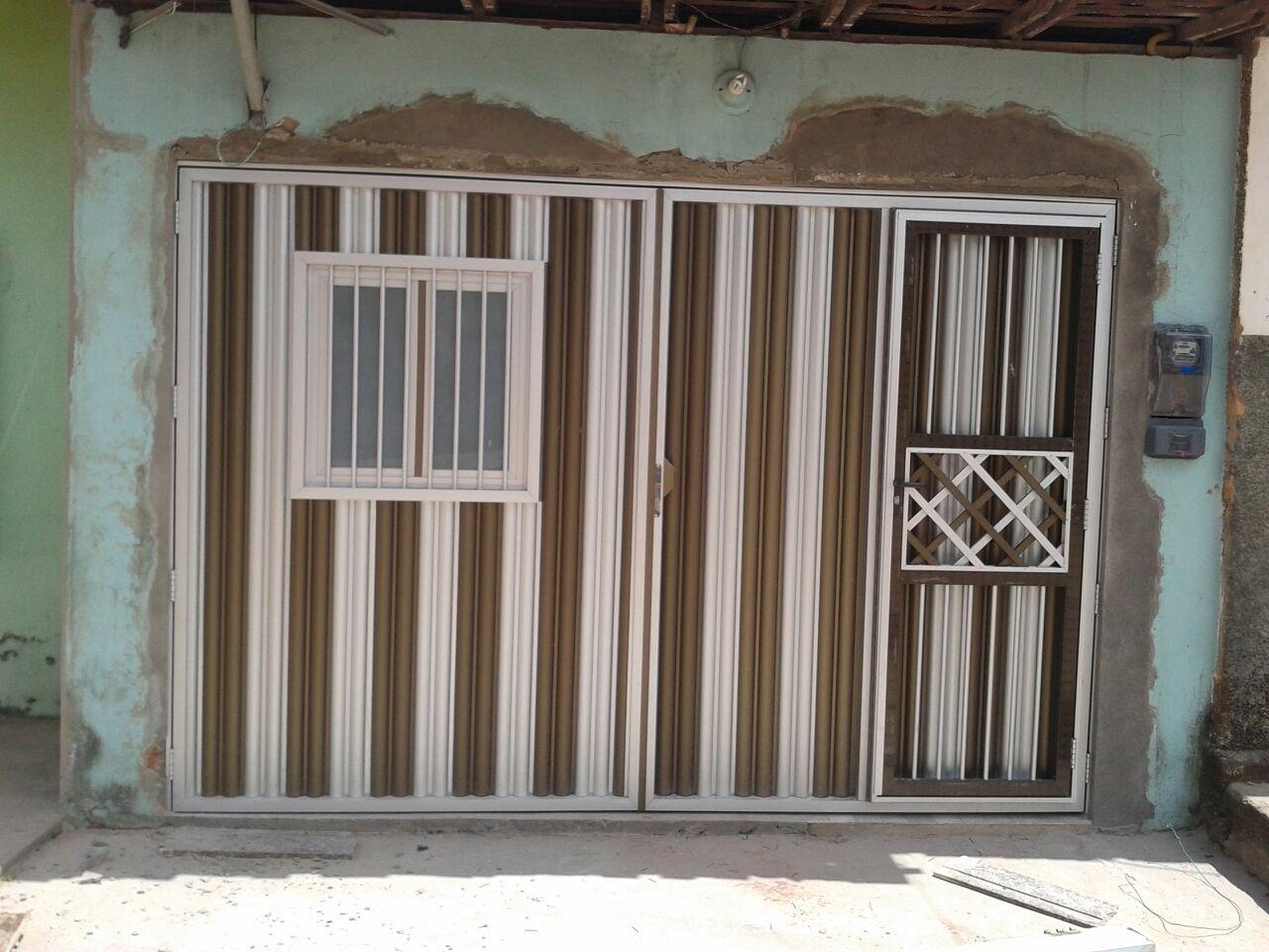 #5D4C3C Porta de alumínio cor branca com basculante 10 Janelas De Vidro Com Aluminio Fosco